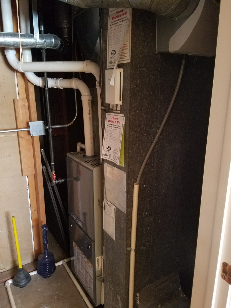 Crystal Lake, IL - Emergency humidifier repair. Aprilaire humidifier system now working properly