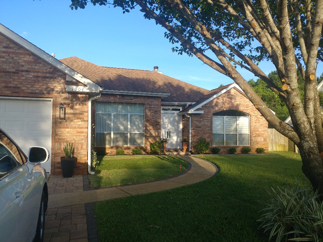 Mary Esther, FL - New windows from Custom Window Systems and Folkers