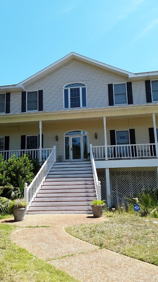Milton, FL - New white vinyl shwinco windows for this home