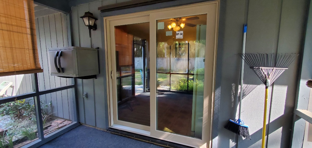 Bellview, FL - Remove and replace sliding door