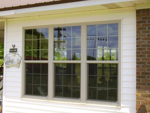 Silverhill, AL - Folkers installed five replacement CWS impact windows in vinyl siding home
