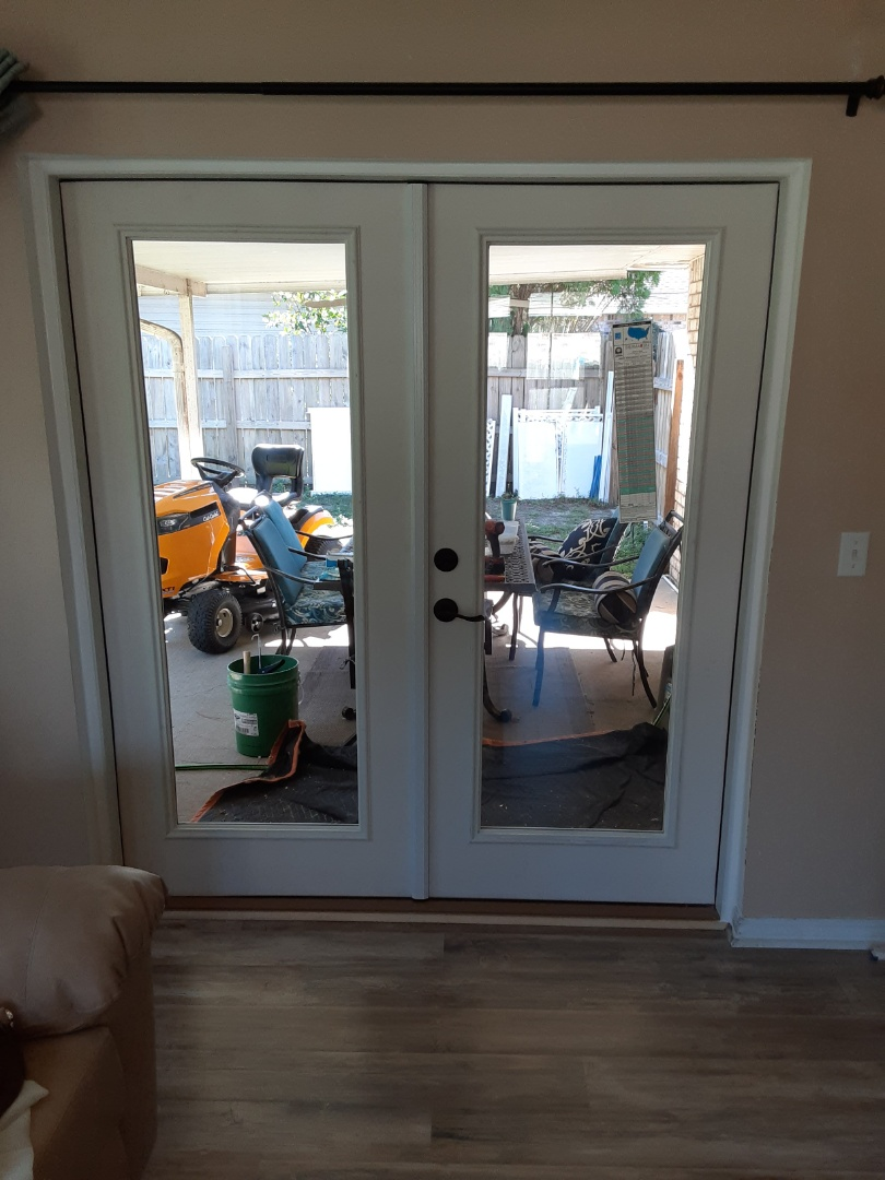 Navarre, FL - Install eighteen windows (Custom Window System) and one Boise French door