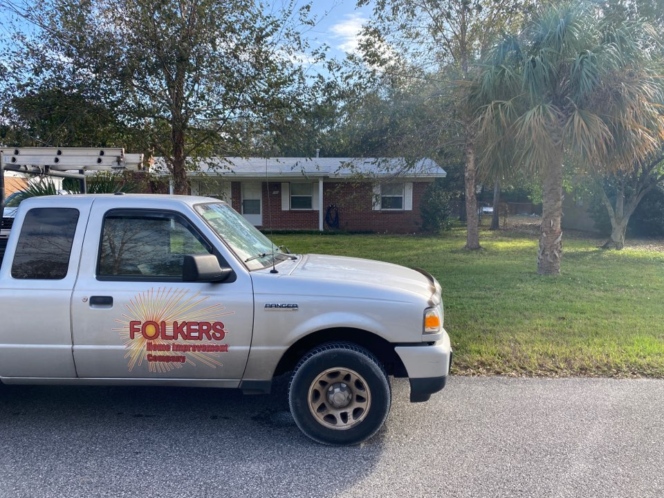 Shalimar, FL - Measuring for impact replacement shwinco single hung windows and thermatru impact replacement entry doors and folkers hurricane storm panels in shalimar Florida