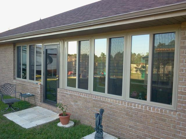 Crestview, FL - Installed eight replacement windows with Shwinco non-impact