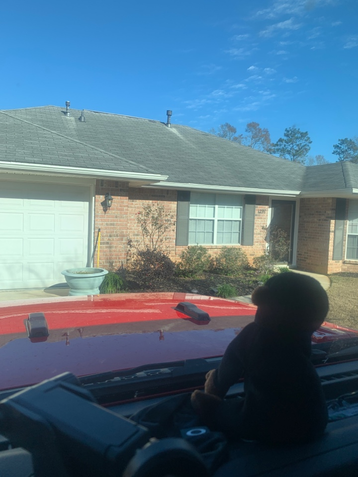 Cantonment, FL - Met with customer talked about window replacement with shwinco