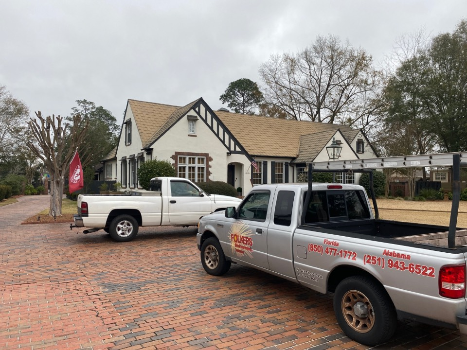 Brewton, AL - Measuring for impact replacement shwinco single hung windows and fixed picture windows in brewton Alabama