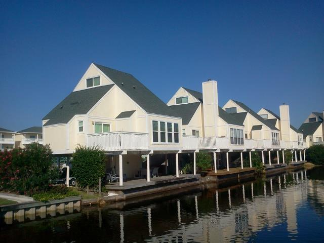 Pace, FL - Installing thirty one Viwinco low impact windows