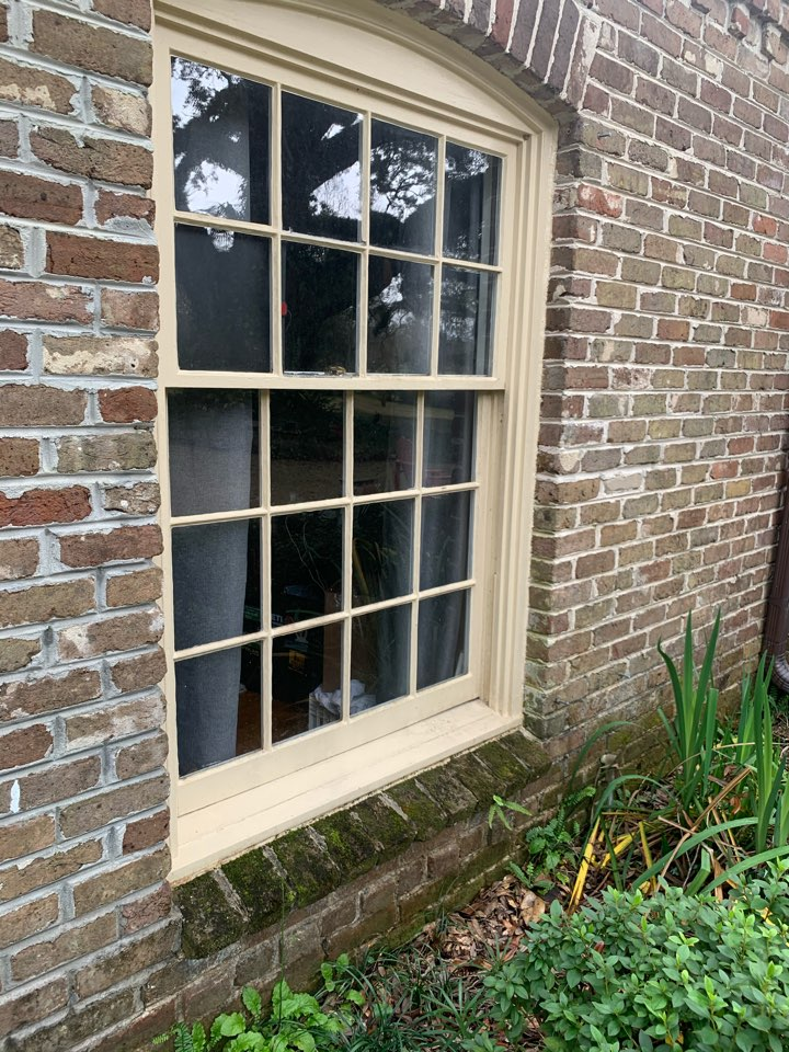 Semmes, AL - Brief meeting with owner talked about two window replacement