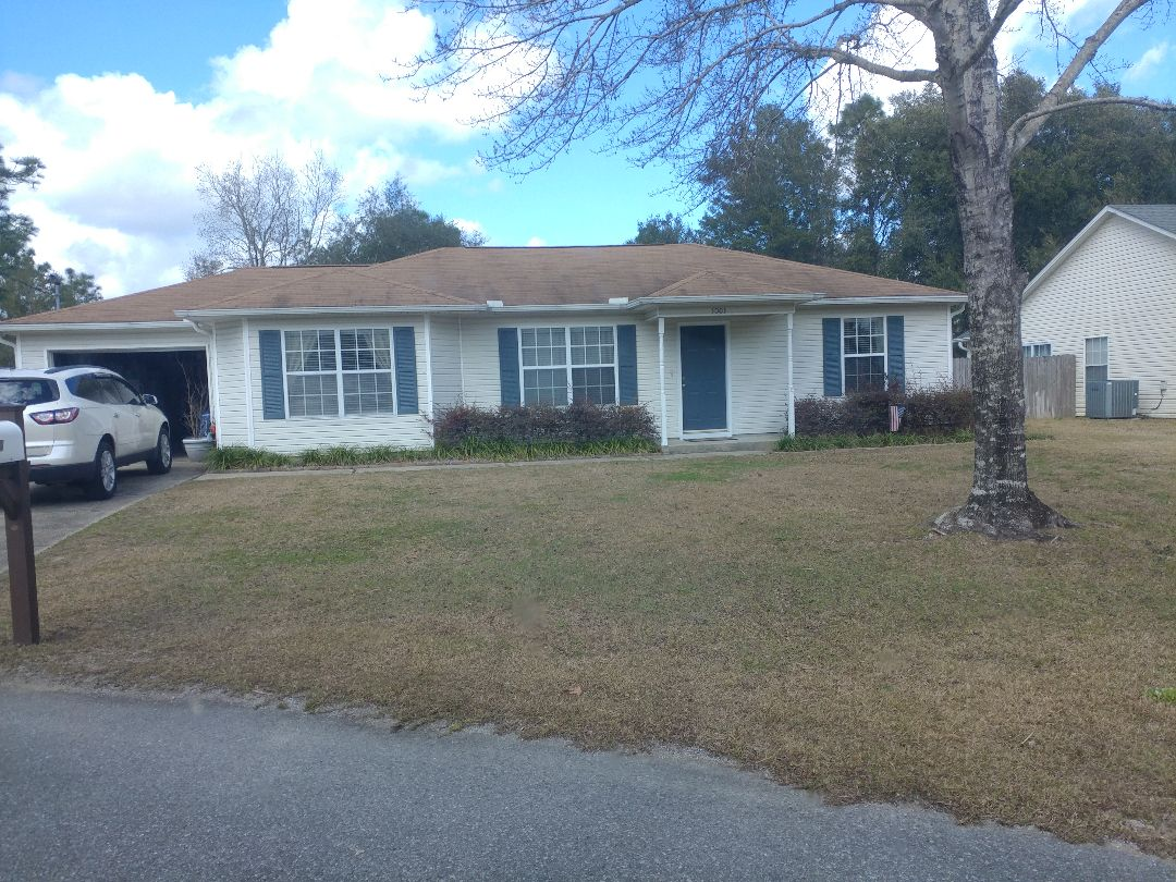 Crestview, FL - Talking about new impact windows and doors
