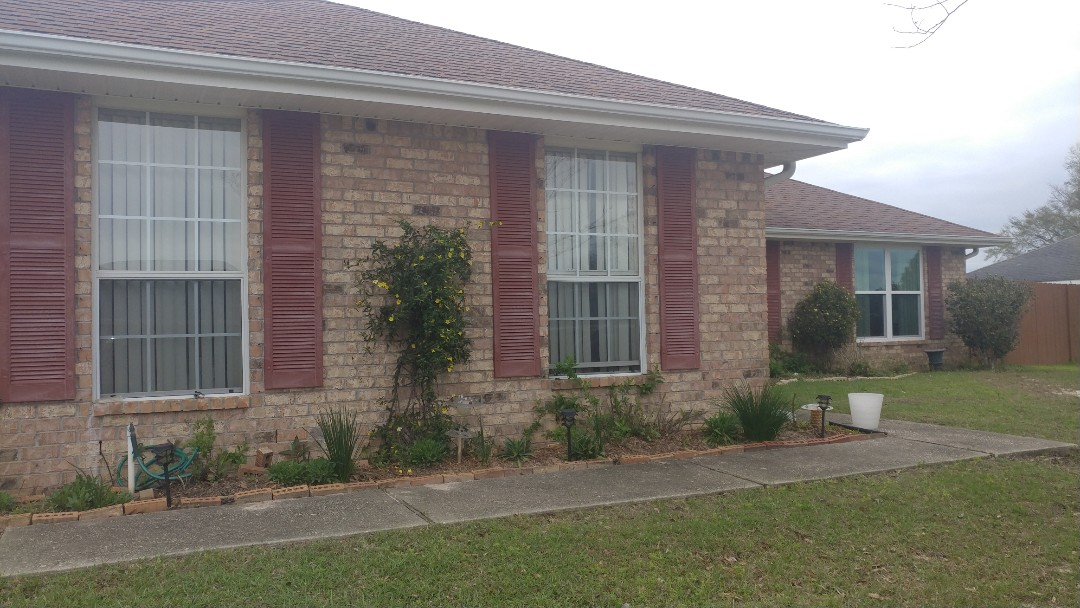 Pace, FL - Finishing the house with new windows