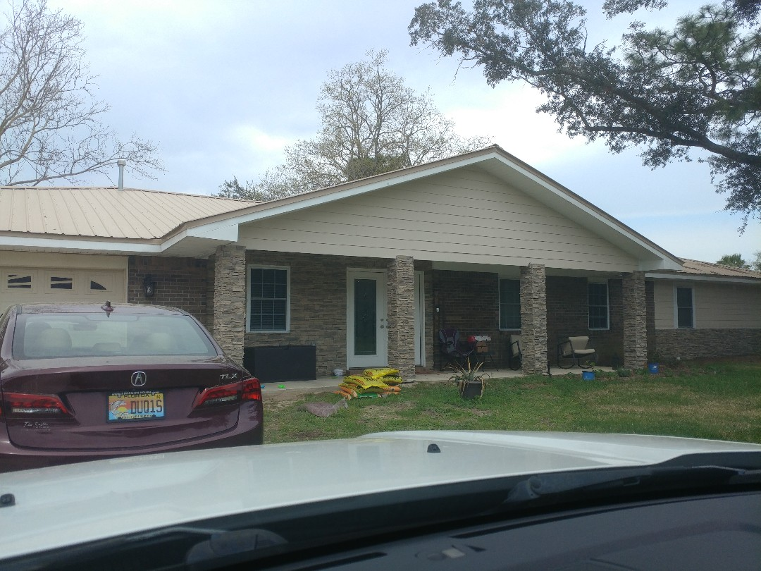 Niceville, FL - Doing windows and shutters