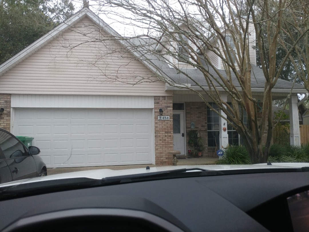 Mary Esther, FL - New sliding glass door agreement