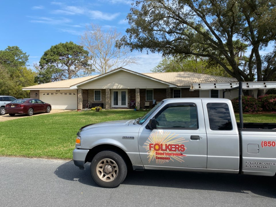 Niceville, FL - Measuring for impact replacement shwinco single hung windows and folkers accordian hurricane shutters in niceville Florida