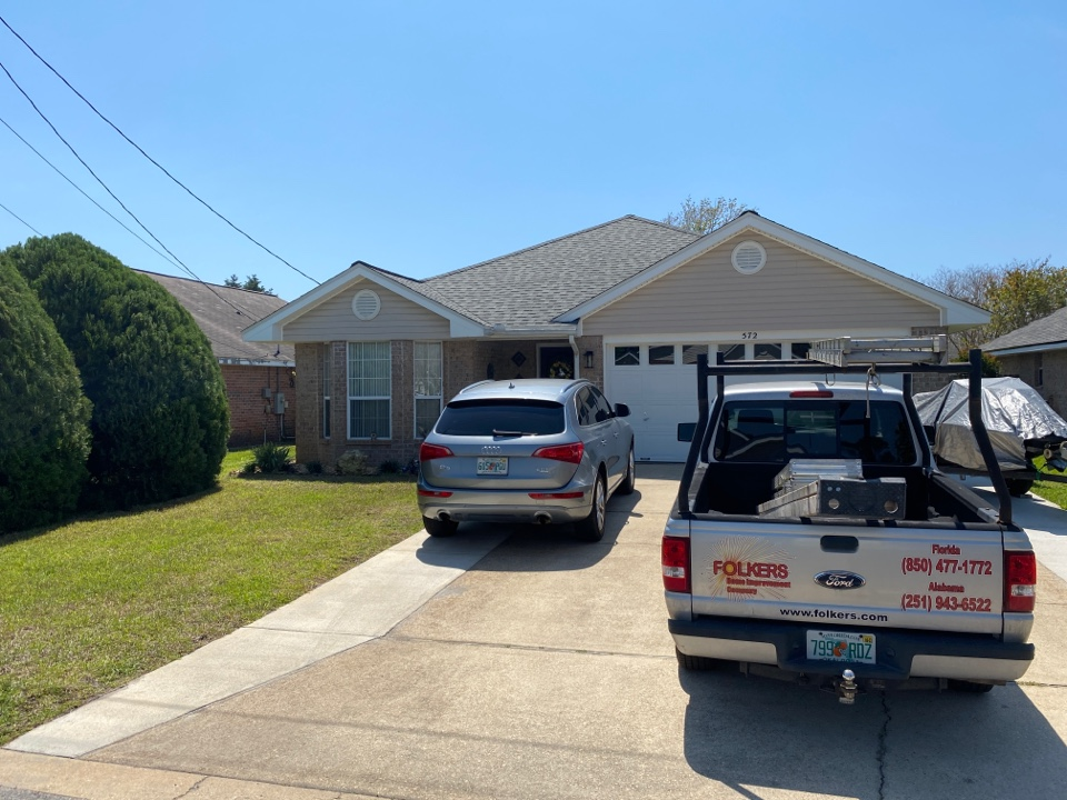 Mary Esther, FL - Measuring for impact replacement shwinco single hung windows in Mary Esther Florida