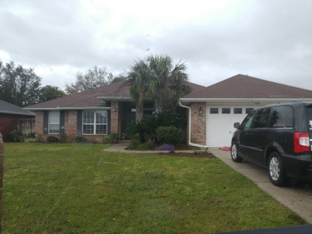 Gulf Breeze, FL - We have lwaky, moldy windows