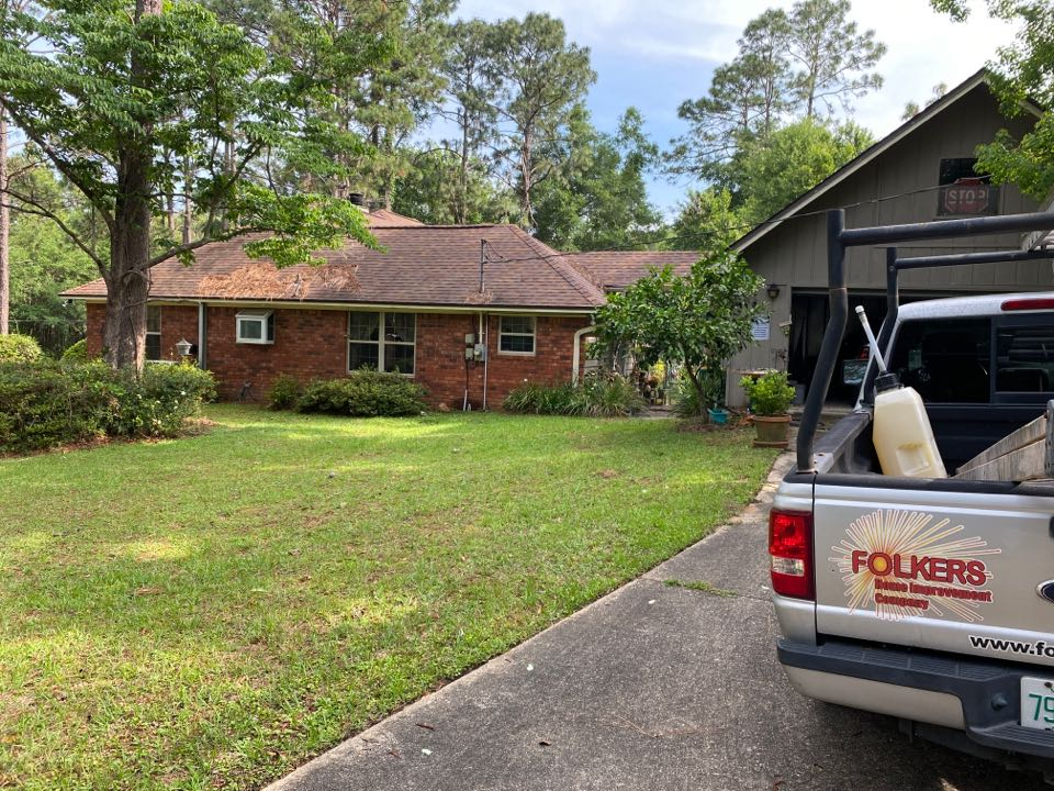 Crestview, FL - Measuring for Viwinco single hung windows and sliding glass doors in crestview Florida