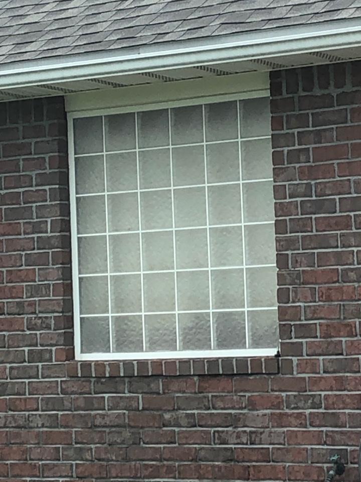 Molino, FL - Measuring for impact windows