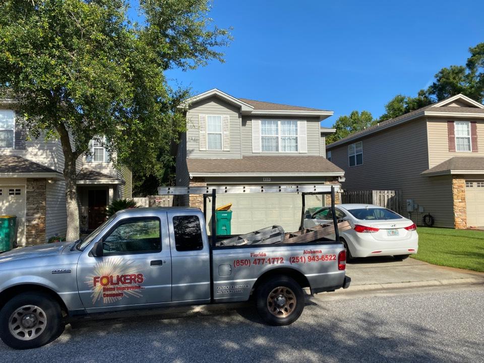Shalimar, FL - Measuring for replacement Viwinco sliding glass doors in shalimar Florida