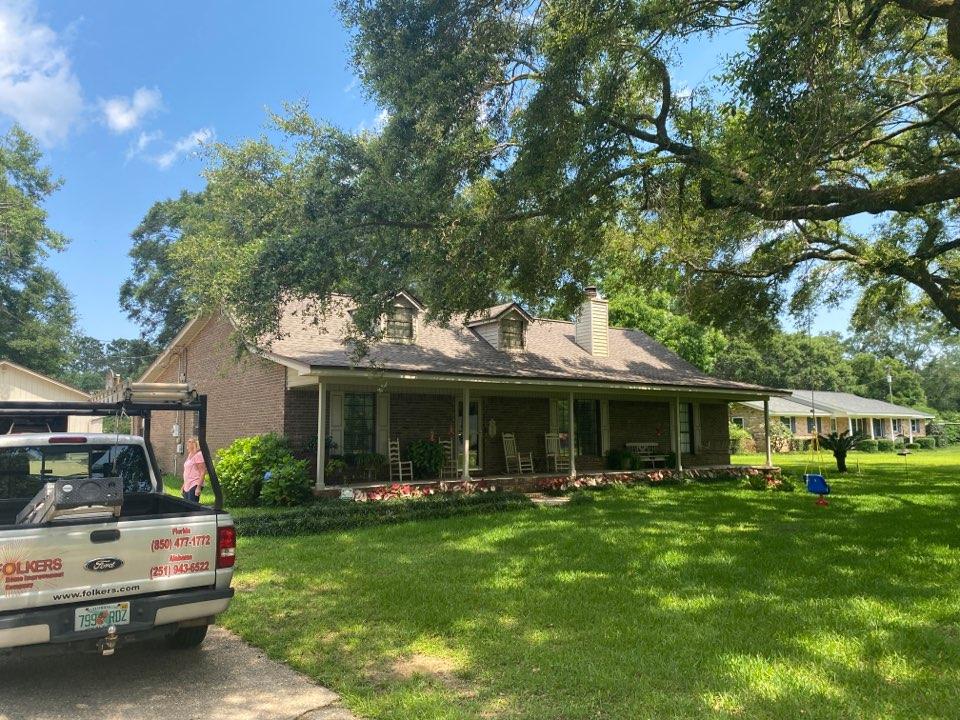 Measuring for Viwinco double hung windows in Pensacola Florida