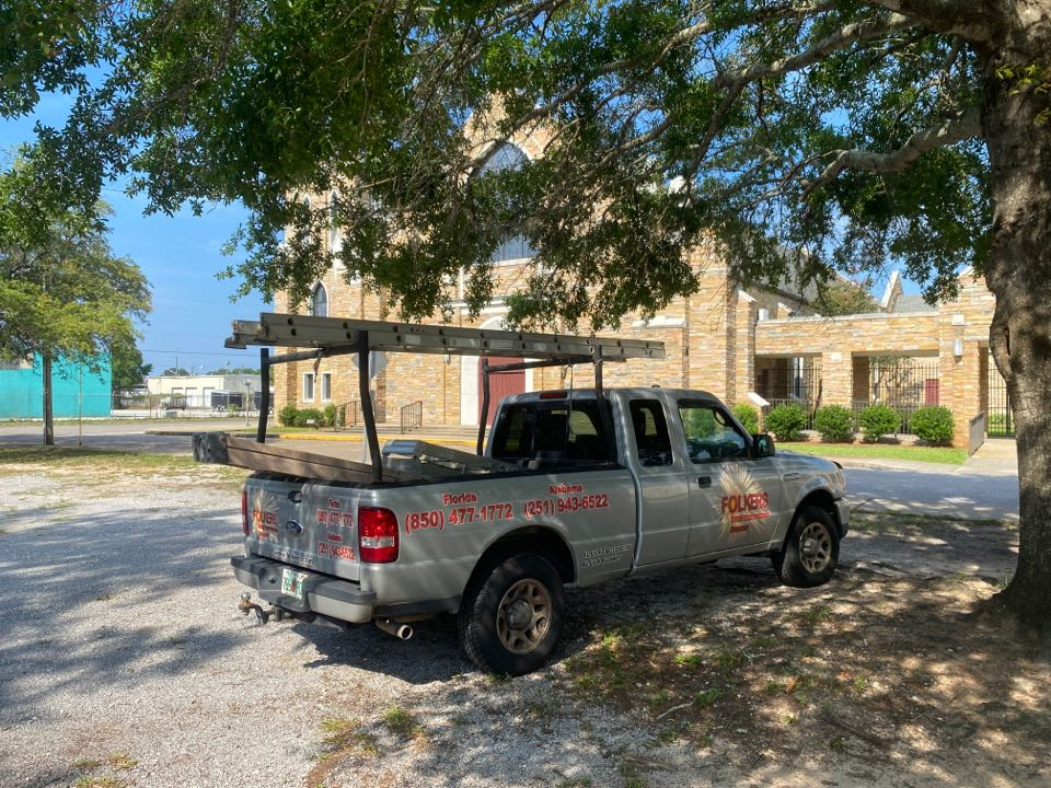 Measuring for impact replacement Viwinco fixed picture windows in fort Walton beach Florida