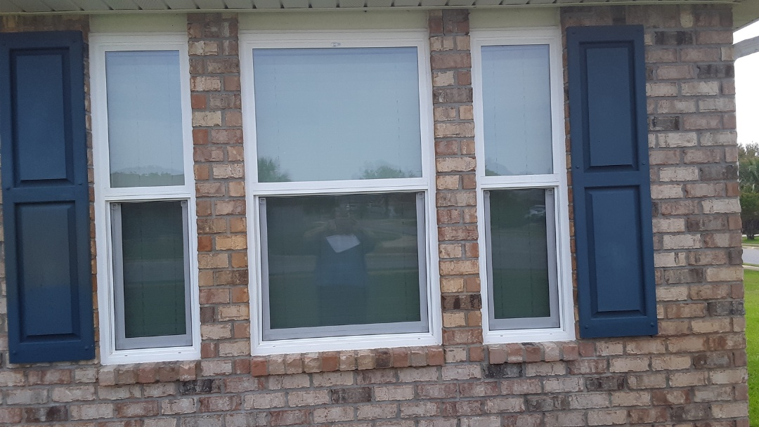 Robertsdale, AL - White vinyl low-e argon single hung windows with grids for this customer