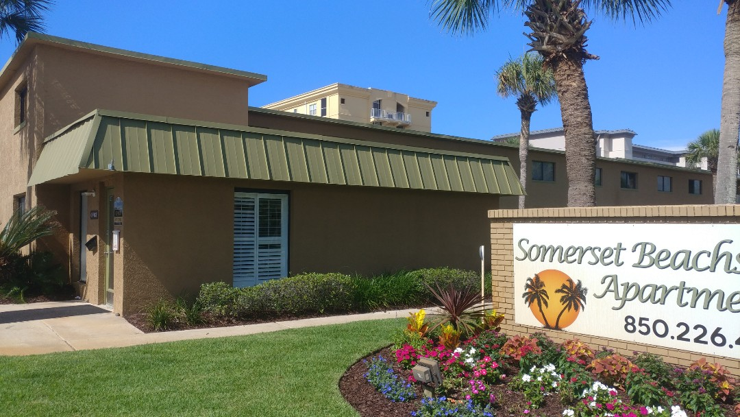 Fort Walton Beach, FL - Rejuvenating a complex, with 160 new turtle glass windows