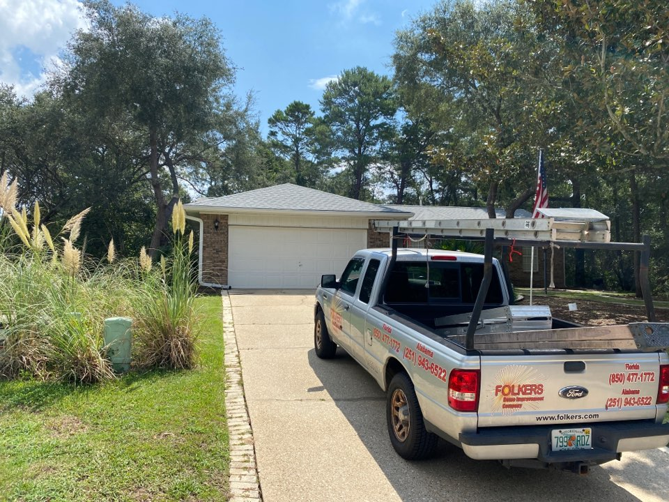 Niceville, FL - Measuring for impact replacement shwinco single hung windows and fixed picture windows in niceville Florida
