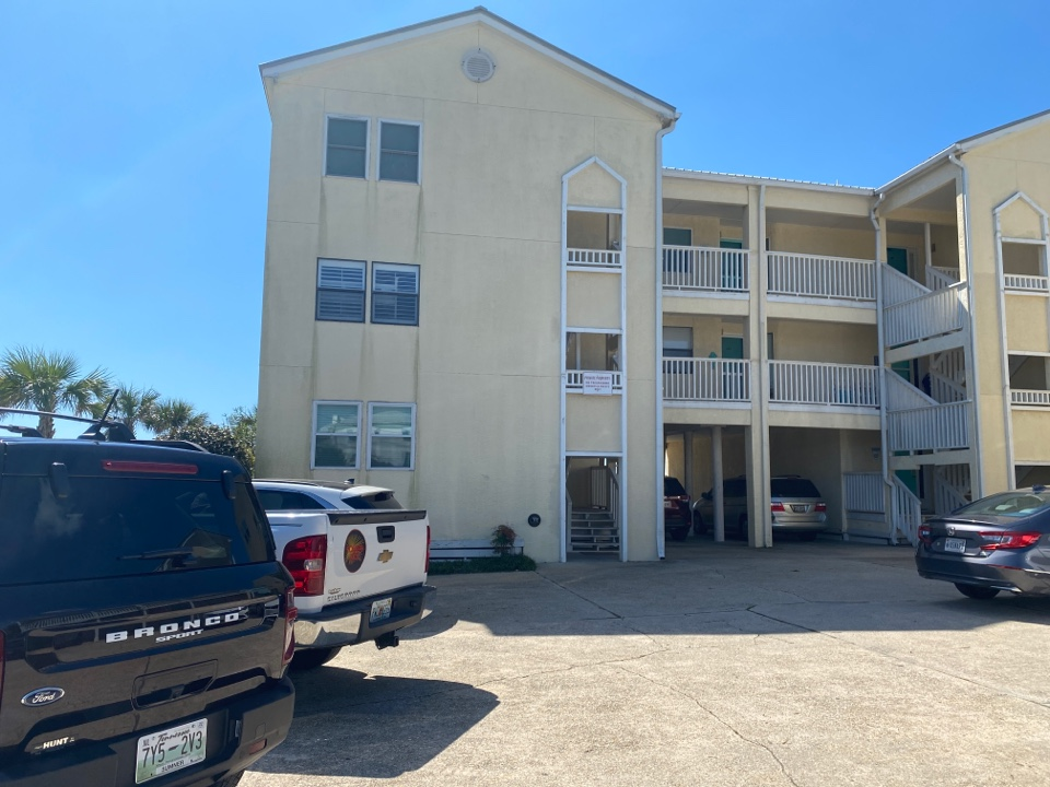 Santa Rosa Beach, FL - Measuring for impact replacement shwinco single hung windows and sliding glass doors in Santa Rosa beach Florida