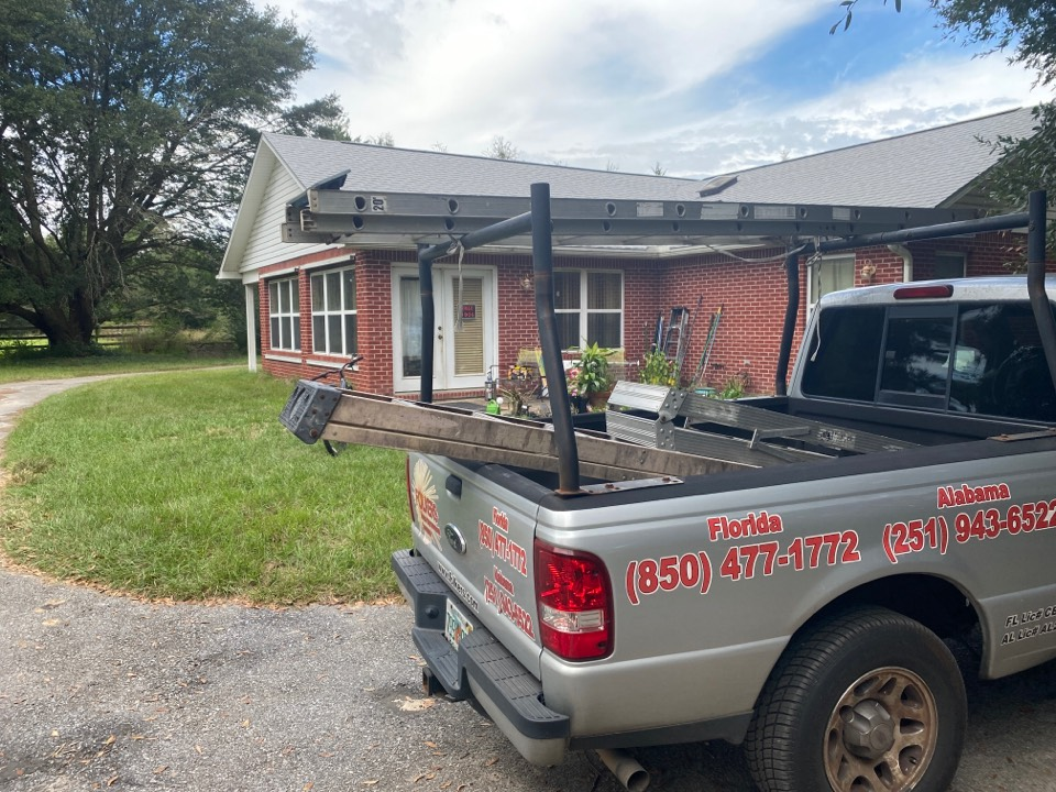 Holt, FL - Measuring for impact replacement shwinco single hung windows and thermatru replacement entry doors in holt Florida