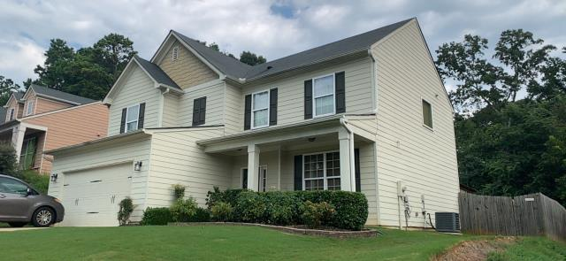 Acworth, GA - This homeowner has an old 3 tab roof. We have inspected it for storm damage but have not found any. We do however offer excellent finance options as well as very competitive rates. Call today- Best roofers in Marietta!