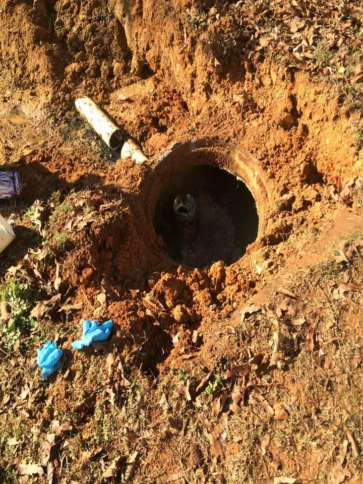 Euharlee, GA - Septic repair on 1000 gallon septic tank