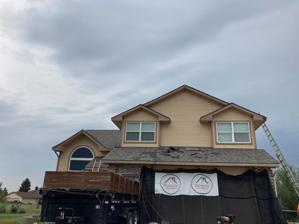Colorado Springs, CO - We are replacing the hail damaged roof and installing Owens Corning Duration Flex shingles.