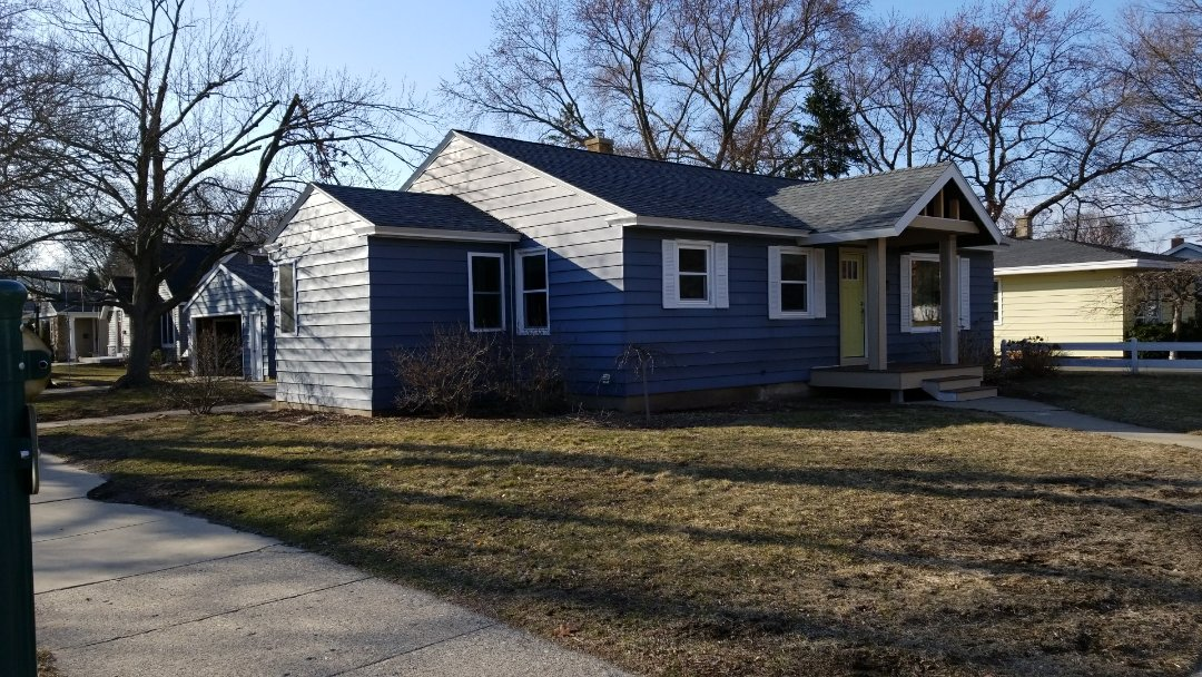 Holland, MI - Preparing an estimate for allm new siding.  Can't wait to see the final product
