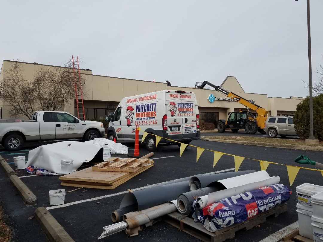 Bloomington, IN - Commerical Roof Replacement. Bloomington, IN GAF TPO