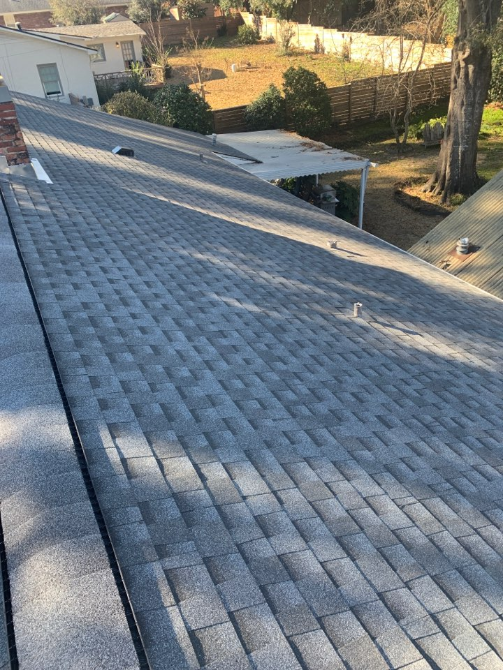 Columbus, GA - Superior Roofing was in Columbus Georgia today re-roofing a home that had leaking issues. We put a 30 yr GAF Timberline shingle on this home.