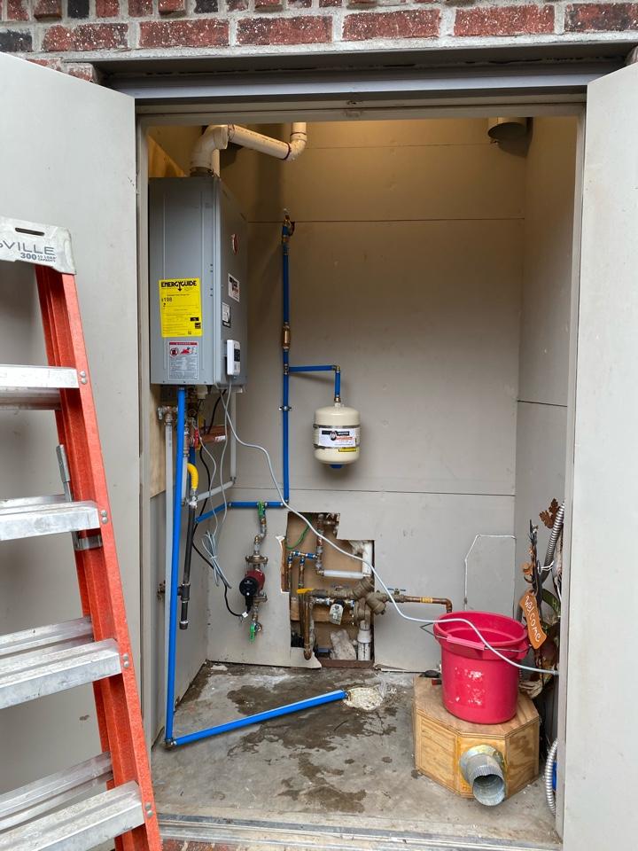 Jenks, OK - Installing tankless water heater in jenks