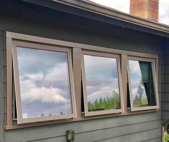 Whitefish, MT - This Whitefish home replaced their rotten wood windows with these new Renewal by Andersen Fibrex windows.