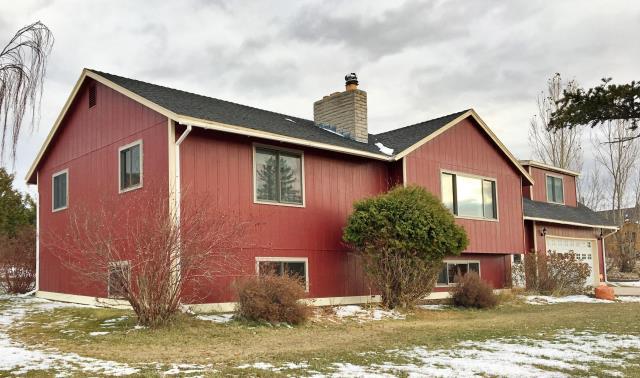 Deer Lodge, MT - This Deer Lodge home upgraded their windows to Renewal by Andersen Fibrex windows.