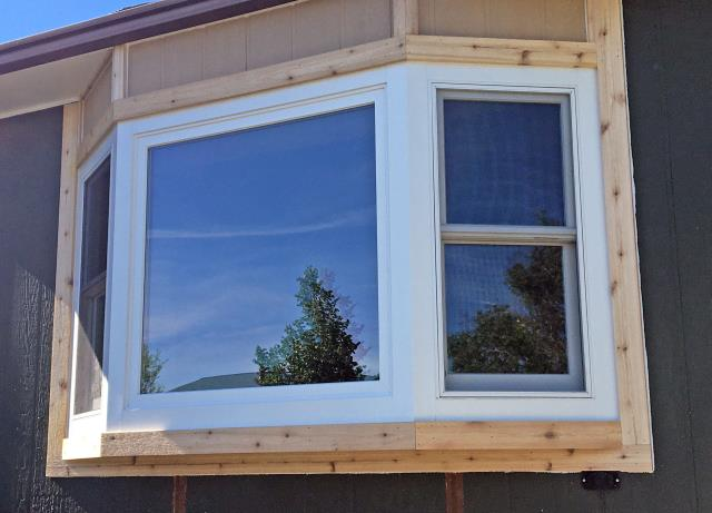 Great Falls, MT - This Great Falls home upgraded their front window to a Renewal by Andersen Fibrex bay.