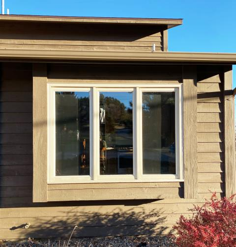 Rapid City, SD - This home in Rapid City, SD upgraded their windows to our Energy Efficient Fibrex Windows!