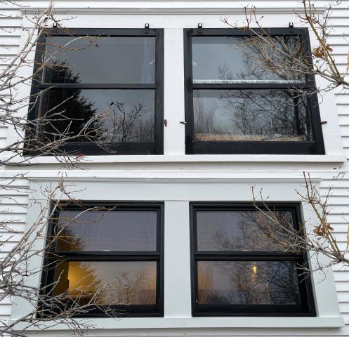 Bozeman, MT - This Bozeman, MT home upgraded their window to our Energy Efficient Fibrex Window!
