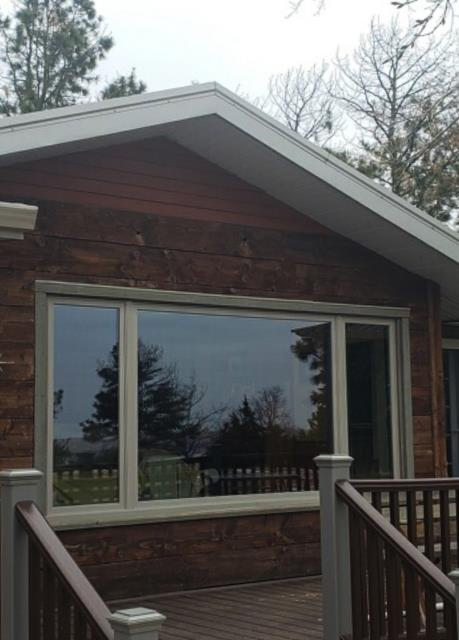 Pierre, SD - This Pierre, SD home upgraded their windows to our Energy Efficient Fibrex Windows!