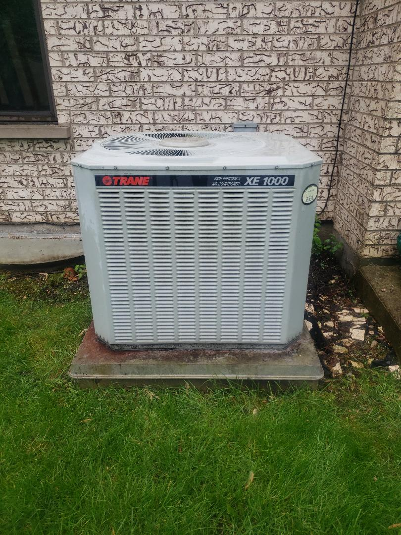 Glenview, IL - Preformed air conditioner repair recharge air conditioner with freon preformed air conditioner tune up and furnace tune up and heat exchanger inspection. Humidifier cleaned and readied for winter. Replace Aprilaire humidifier pad.