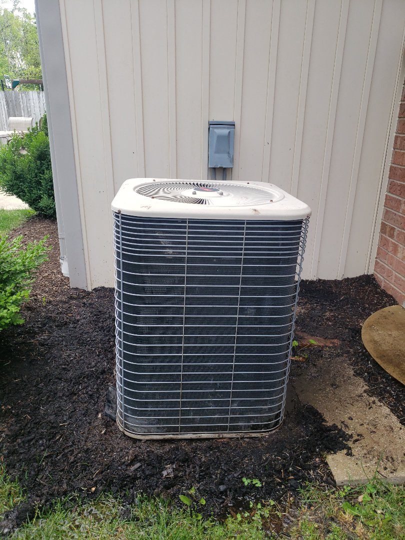 Glenview, IL - Performed Air Conditioner Repair and ac tune up in Glenview Illinois. AC tune Up Service was performed on a Lennox unit. North Shore Heating & Cooling is a HVAC contractor near you. We provide air conditioning repair & replacement installation. Proper air conditioner service maintenance can reduce your Air conditioning repair costs and increase the service life of your Air Conditioner. When you need a air conditioner installation or repair. Call us at 847-729-1040 or Visit us at https://www.northshoreheatingandcooling.com/special-offers