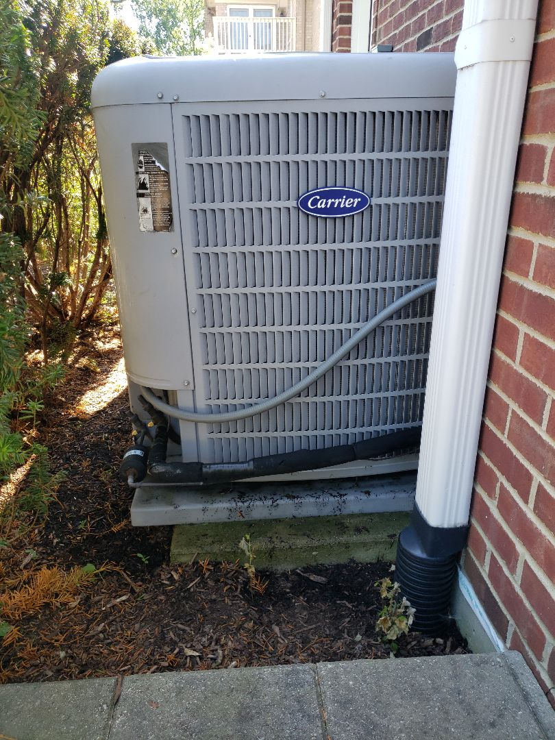 AC tune up complete on two Carrier air conditioners located in Glenvew Illinois. Cleaned Honeywell Electronic Air Cleaners. Performing yearly maintenance, ac tune-up, furnace tune up, help to extend the life of your equipment and keeps your equipment running efficiently. avoiding expensive inconvenient breakdowns. North Shore Heating and Cooling, your local HVAC contractor, located in Glenview Illinois is here to help. Visit our website for seasonal specials at www.northshoreheatingandcooling.com/special-offers or call for an appointment at 847-729-1040.