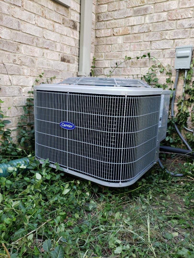 Air conditioner replacement with new Carrier high efficiency Air Conditioner located near you in Glenview Illinois. North Shore Heating and Cooling are experts in the service, repair and replacement of all makes and models of furnace and air conditioners. Call today for your free estimate at 847-729-1040 or visit us at www.northshoreheatingandcooling.com