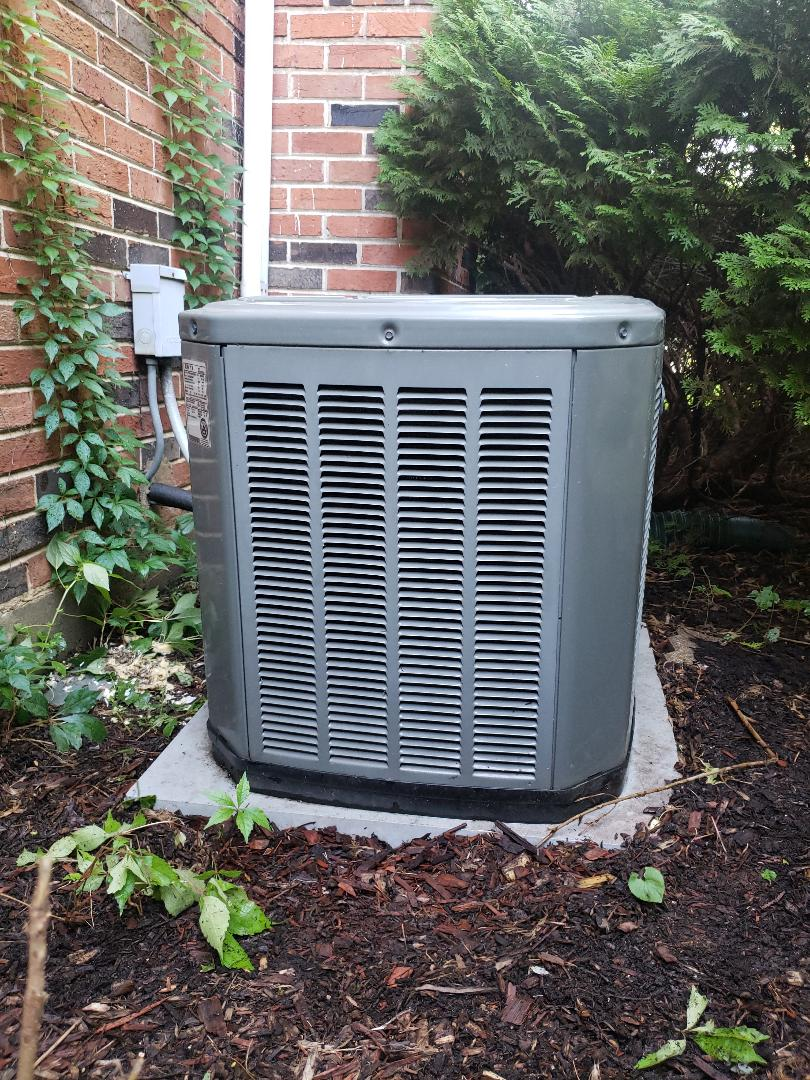 Air conditioner tune up on Trane air conditioner located near you in Northbrook Illinois. North Shore Heating and Cooling serving the north shore communites of Glenview, Northbrook, Highland Park, Deerfield, Riverwoods, Lincolnshire, Wilmette, Winnetka and Glencoe for over 30 years. We service all makes and models, Carrier, Heil, Lennox, Amana, Bryant, Trane, Rheem Ruud and many more. Call today to schedule your furnace tune or ac tune at 847-729-1040 or visit us at www.northshoreheatingandcooling.com