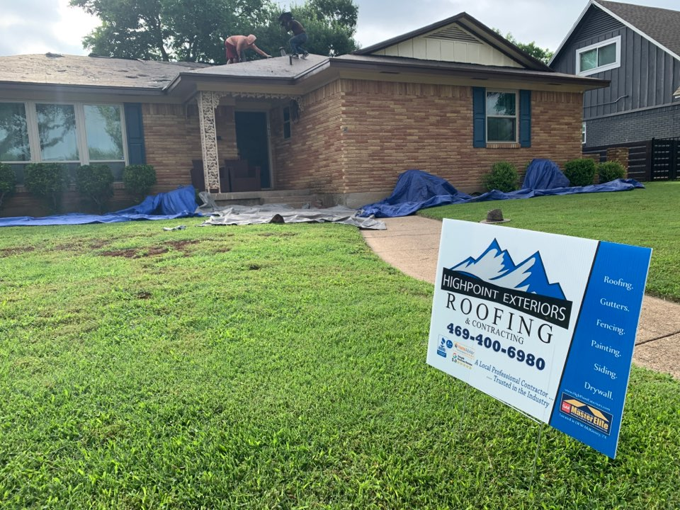 Dallas, TX - New roof going up in DALLAS.