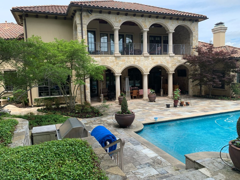 Dallas, TX - Roofing and patio work