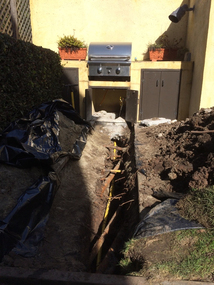 Berkeley, CA - Need gas to an outdoor BBQ? No problem, give us a call. Waiting for inspector right now, holding pressure!